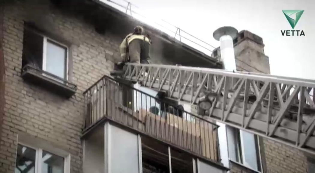 ВПерми пожарными спасено 16 человек, 40 граждан дома эвакуированы