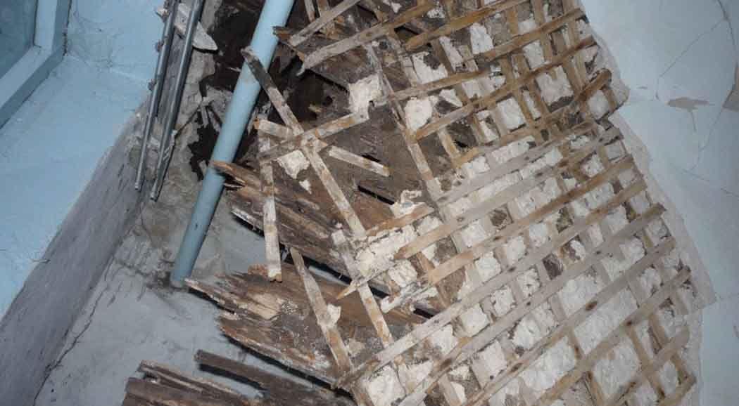 ВБерезниках обвалился  потолок вжилом доме