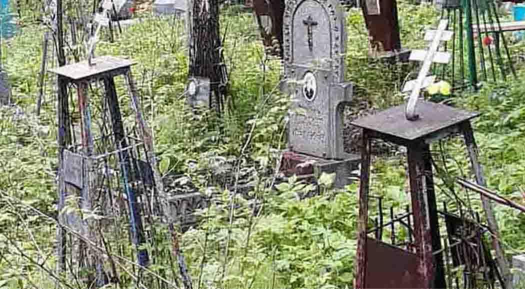 ВПерми вандалы осквернили неменее  100 могил наСеверном кладбище