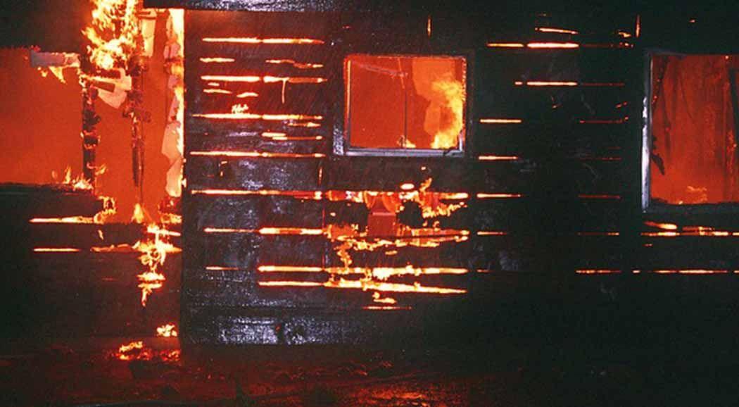 После ночного пожара вПерми жильцы остались без крыши над головой